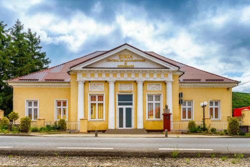 Centrul de documentare si informare